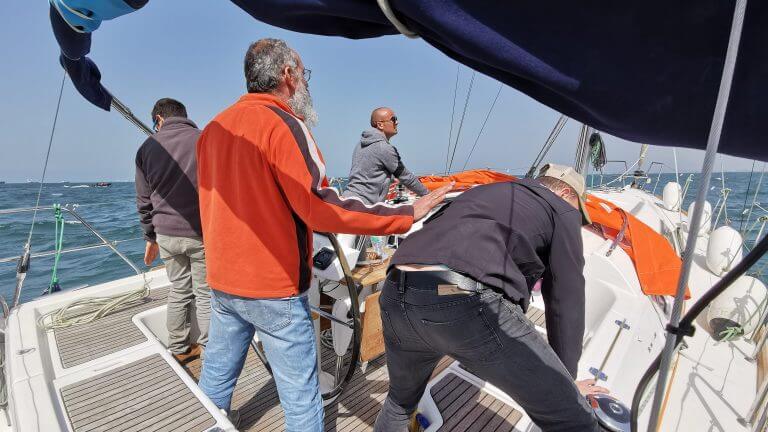 מיקי וינשטיין-אנשי צוות ספינה